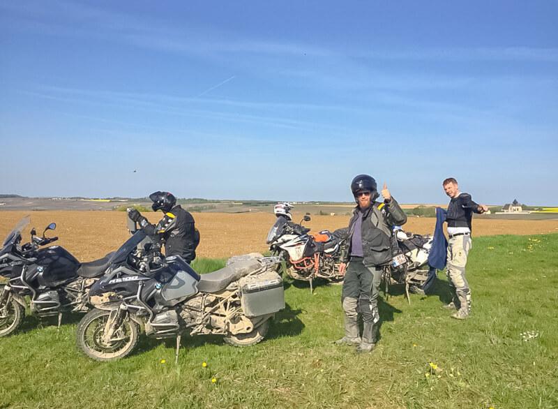 off-road expeditie champagnestreek allroad motoren met kamperen